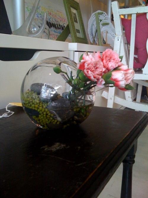 two's company vase